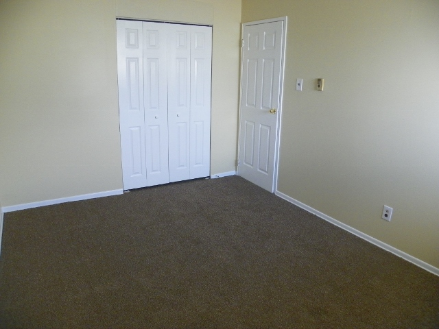 Willow Gardens 2 bedroom 009 (640x480)